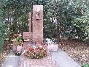 Alexander Dubček - Dubček's grave
