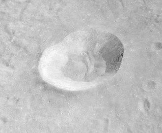 Alfraganus (crater) - Oblique view of Alfraganus from Apollo 16 Metric Camera