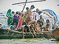 Allahabad, Triveni Sangam 19 - ritual (38498339465).jpg