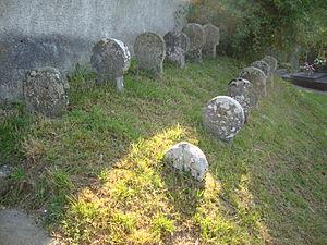 Alos-Sibas-Abense - Image: Alos (Alos Sibas Abense, Pyr Atl, Fr) vieilles steles discoïdales
