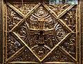 Altare di s. ambrogio, 824-859 ca., lato sx di vuolvino, angeli e santi che adorano la croce gemmata 03.jpg