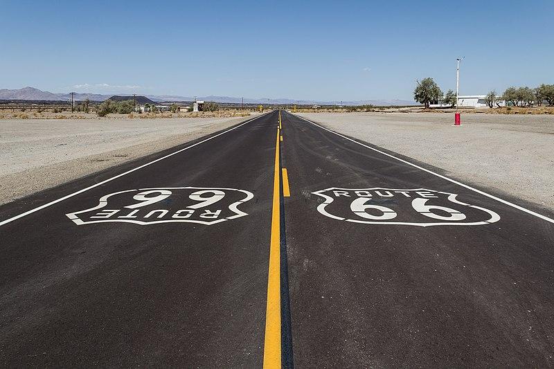 File:Amboy (California, USA), Hist. Route 66 -- 2012 -- 5705.jpg