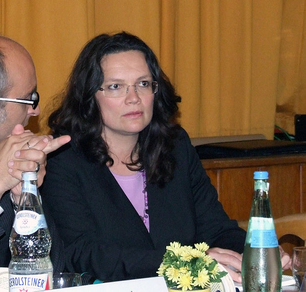 Datei:Andrea Nahles 2010-5, Speyer, Naturfreundehaus.jpg