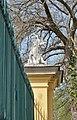 Animal sculpture on Tiergarten wall, Schönbrunn 09.jpg