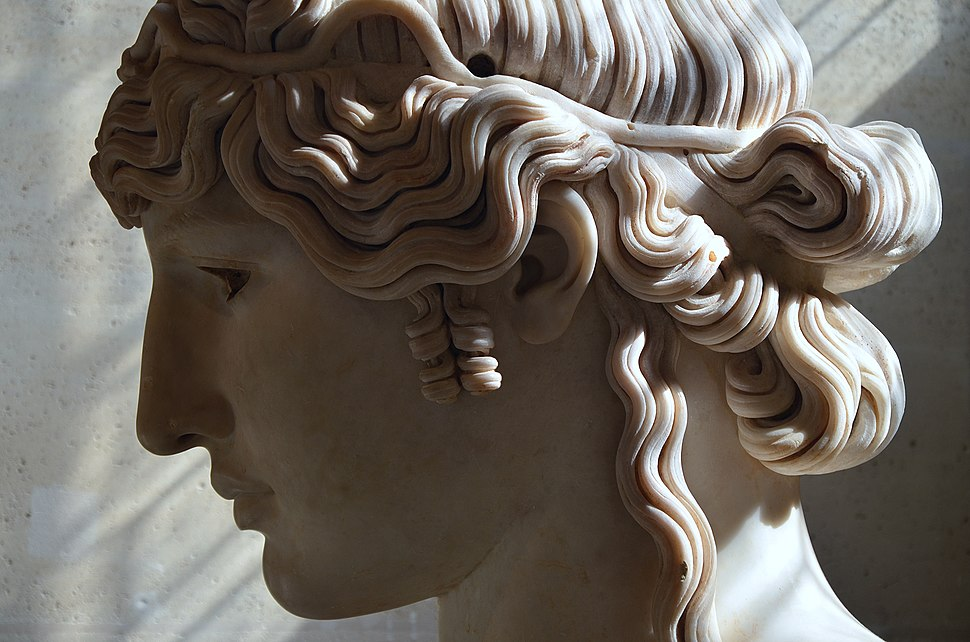 Antinous Mondragone, c. 130 AD, from the Mondragone villa in Frascati (Italy), owned by the Borghese family, Louvre Museum, Paris (21233877548)
