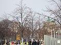 Approaching Brandenburger Tor (47418419172).jpg