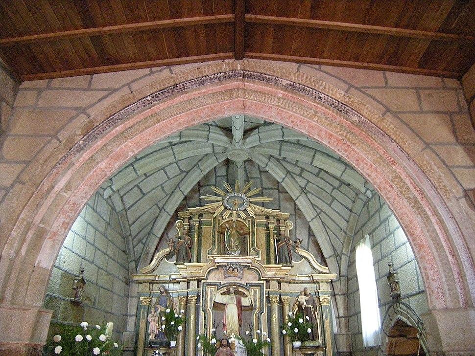 Arco igrexa de Santa María de Covelas, Os Blancos