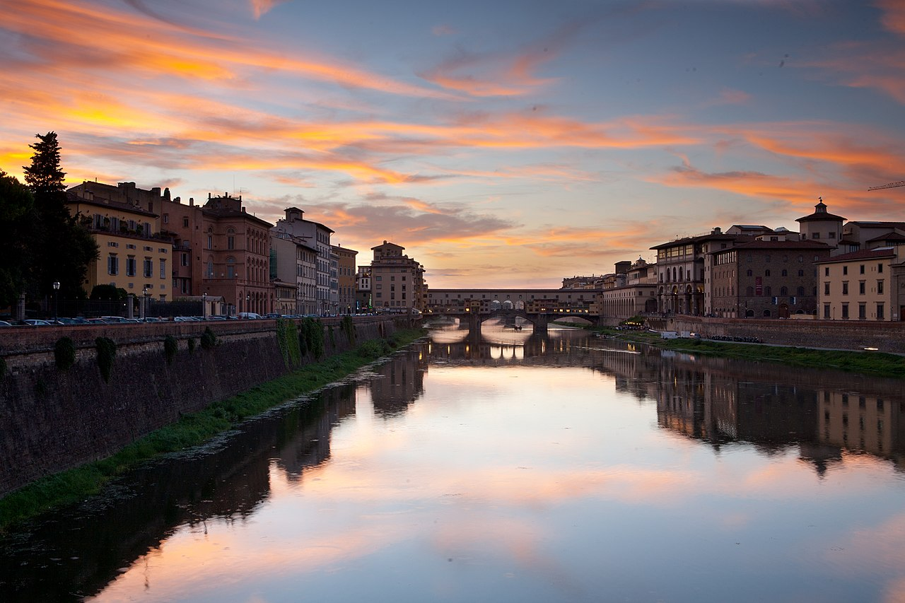 File:Arno river sunset, Florence, Italy.jpg - Wikimedia Commons