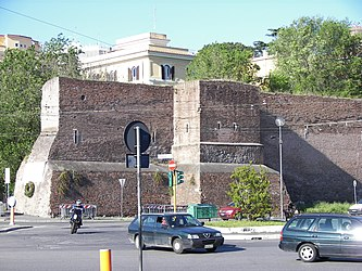 Aurelian wall near Pyramid of Caius Cestius.jpg