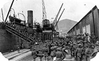 Australian troops disembarking at Cape Town, ca 1918.jpg