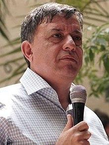 אבי גבאי באספת בחירות מקדימות לראשות מפלגת העבודה, אפריל 2017