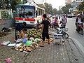 Bán dừa, Nguyên Hồng, Hà Nội 001.JPG
