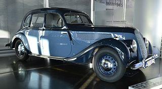 320px-BMW_335_im_BMW_Museum.JPG