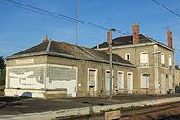 BV de Montreuil-Bellay côté voies par Cramos.JPG