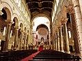 Basilique Saint Martin de Tours, vue intérieure.JPG