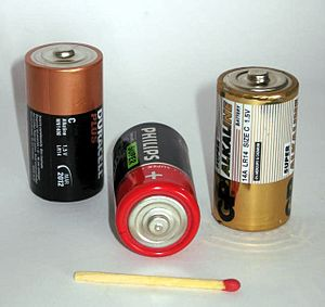 Volt - 1.5 V C-cell batteries