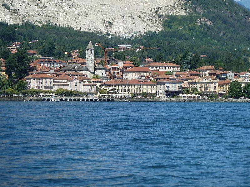 File:Baveno al lago maggiore.JPG