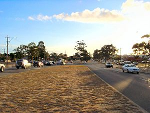 Beach Road, Perth - View west towards intersection with Erindale Road