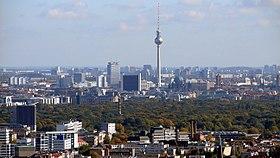Berlin Skyline Fernsehturm 02.jpg