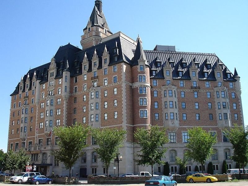 Hotels Near Fairmont Dubai