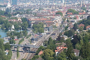 Zürich Tiefenbrunnen railway station - Aerial view of the station looking west