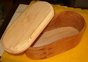 Birch bark - Birchbark box with lid and bottom of birch wood