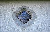Fil:Björke kyrka Gotland fönster sakristia.jpg