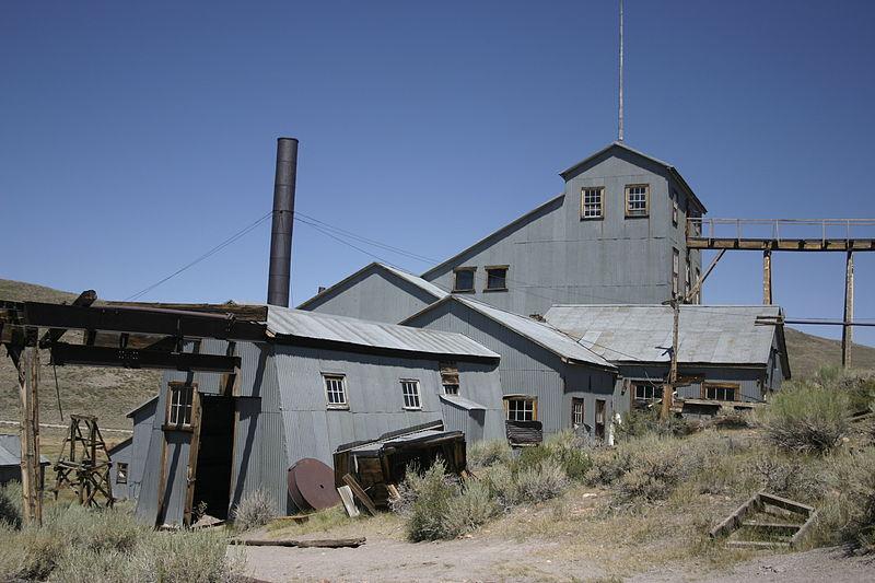 File:Bodie CA - industrial building.jpg