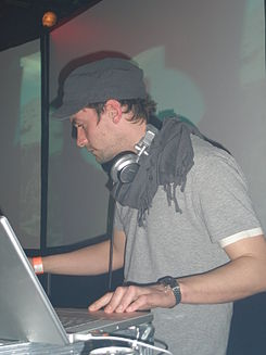 Bonobo at SeOne London March 2008 - 1.JPG