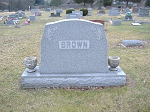 Clarence J. Brown - Image: Brown Headstone