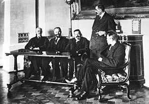 Council of the People's Deputies - The Council of the People's Deputies after the USPD pulled out: Philipp Scheidemann, Otto Landsberg, Friedrich Ebert, Gustav Noske, Rudolf Wissell (from left to right)