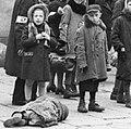 Bundesarchiv Bild 101I-134-0771A-39, Polen, Ghetto Warschau, Kind in Lumpen cropped.jpg