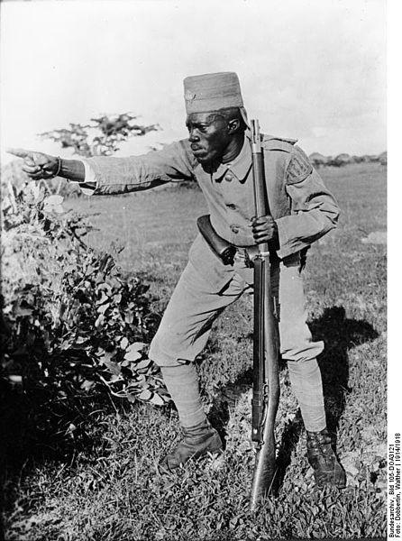File:Bundesarchiv Bild 105-DOA3121, Deutsch-Ostafrika, Askari.jpg