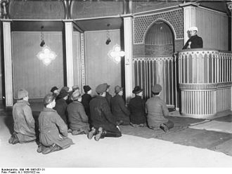 Halbmondlager - Interned Soviet soldiers of Muslim faith, who had fled the Polish-Soviet War into East Prussia, Germany, attending the mosque in Wünsdorf, in the early 1920s