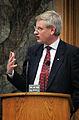 Carl Bildt, utrikesminister Sverige, talar under Nordiska radets session i Kopenhamn 2006.jpg