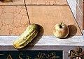 Carlo crivelli, annunciazione con sant'emidio, dalla chiesa dell'annunciazione ad ascoli 08 cetriolo e mela.jpg
