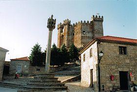 un chateau - ajonc - 12 juillet trouvé par René lelillois  280px-Castelo_de_Penedono