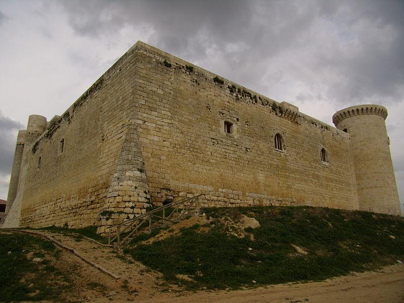 File:Castillo Fuentes de Valdepero2.JPG