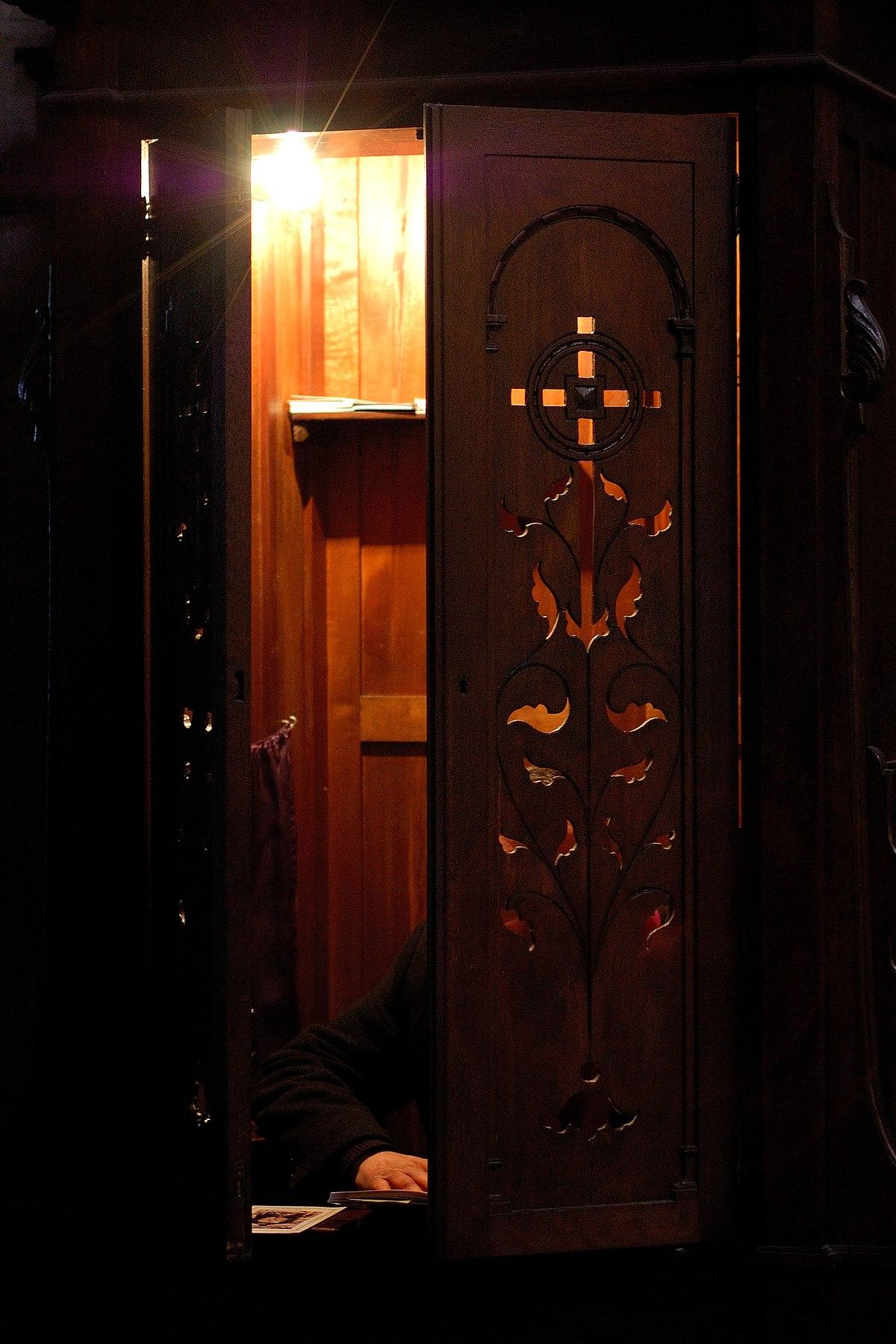 1200px-Catedral..Lugo.Galicia.jpg