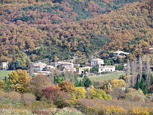 Chateauneuf de Bordette - village.JPG