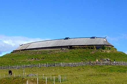 A large reconstructed chieftains longhouse at Lofotr Viking Museum, Norway Chieftains house (reconstruction) (cropped).jpg