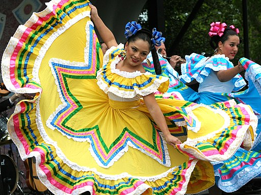 Cinco de Mayo dancers in Washington DC