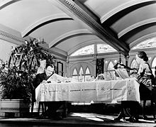 citizen kane breakfast montage Find a bernard herrmann - citizen kane (the classic film scores of bernard   a2, prelude: xanadu: snow picture: theme and variations (breakfast montage): .