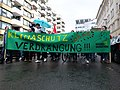 """Climate protection banner at the """"Mietenwahnsinn Stoppen!"""" Demonstration in Berlin in April 2018 01.jpg"""
