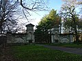 Clumber Park Gate, Normanton - geograph.org.uk - 93090.jpg