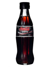 vad innehåller coca cola zero