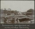 Collectie NMvWereldculturen, RV-A102-1-16, 'Belwaarden, aanlegplaats van de suikerplantage Marienburg'. Foto- G.M. Versteeg, 1903-1904.jpg