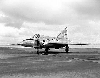 Convair F-102 Delta Dagger - F-102