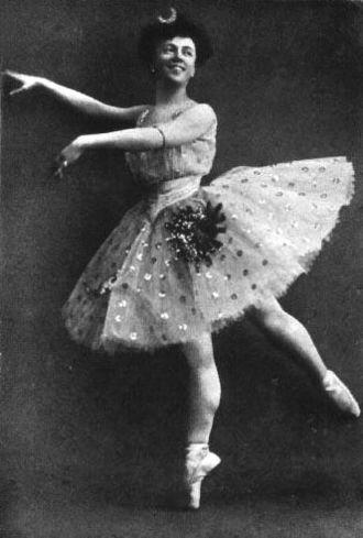 Olga Preobrajenska - Preobrajenskaya in the Pas de Diane from Le Roi Candaule, ca. 1899