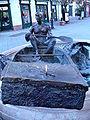 Csónakos szobor.JPG